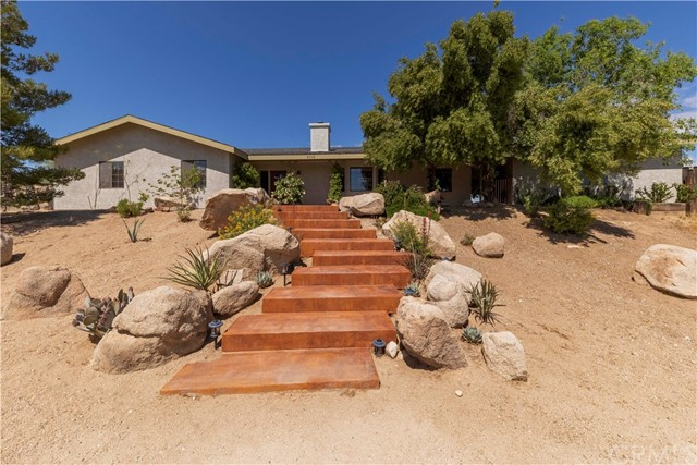 5598 Palm Avenue, Yucca Valley, CA 92284
