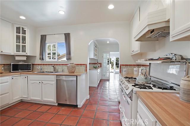13. 12437 Caswell Avenue Mar Vista, CA 90066