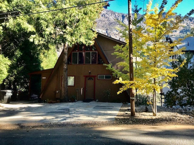 39438 Canyon Drive, Forest Falls, CA 92339