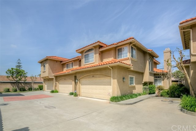 233 S 4th Avenue, Covina, CA 91723