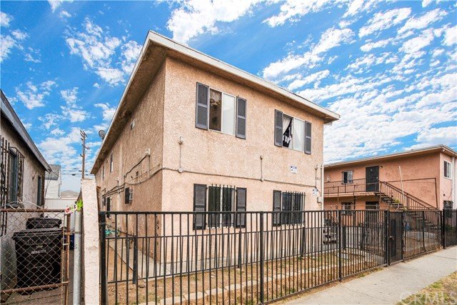 11812 S Main Street, Los Angeles, CA 90061