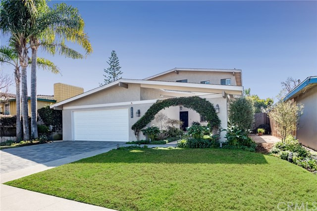 1018 9th Street, Manhattan Beach, California 90266, 5 Bedrooms Bedrooms, ,2 BathroomsBathrooms,For Sale,9th,SB18036029