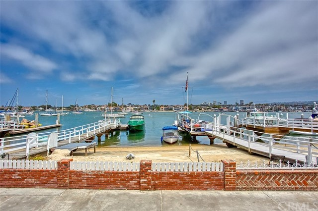 415 E Edgewater Avenue, Newport Beach, CA 92661