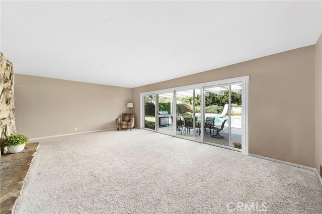 11. 306 N Valley Center Avenue Glendora, CA 91741