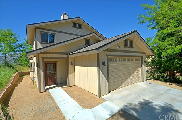 31946 Encina Way, Running Springs, CA 92382