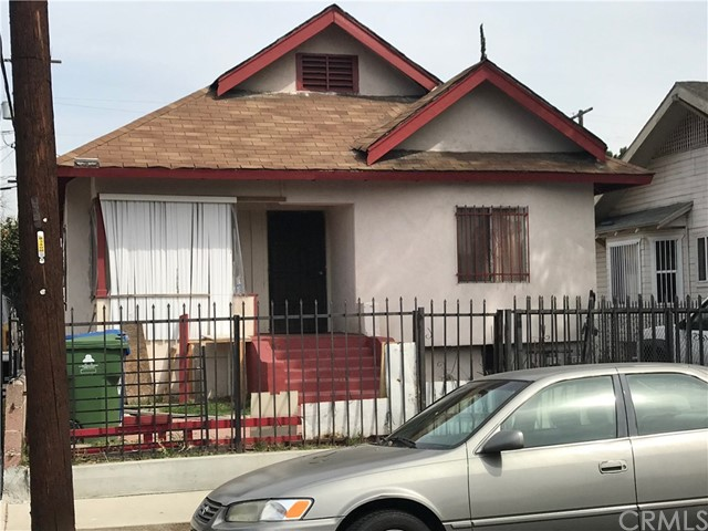 647 E 38th Street, Los Angeles, CA 90011