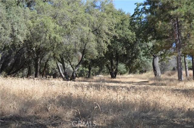 2 Woodcrest Drive, Oakhurst, CA 93644