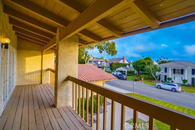 18. 3018 Via Borica Palos Verdes Estates, CA 90274