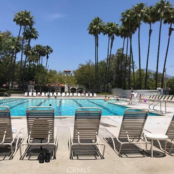 Arroyo Vista Pool