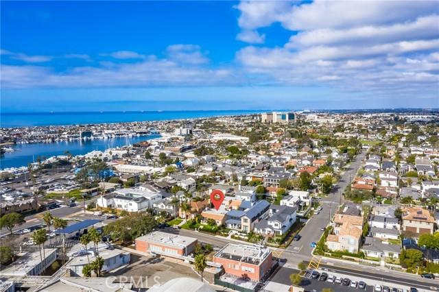 31. 319 Irvine Avenue Newport Beach, CA 92663