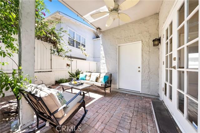 24. 906 3rd Street Hermosa Beach, CA 90254