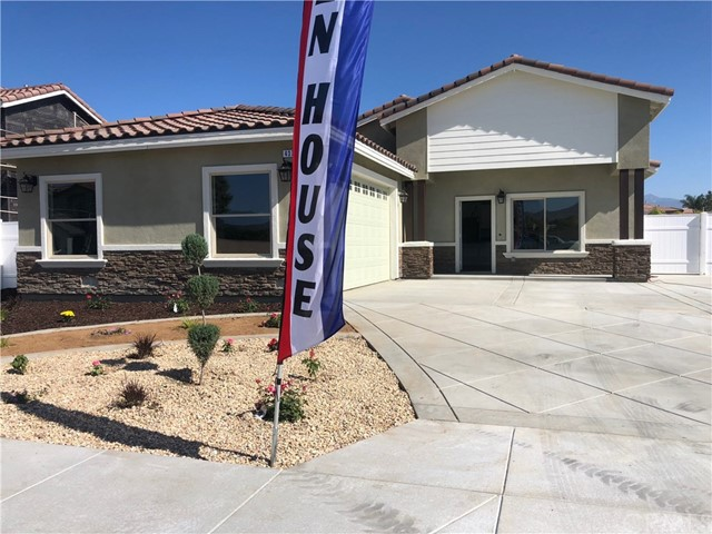 437 Sandalwood Street, San Jacinto, CA 92582