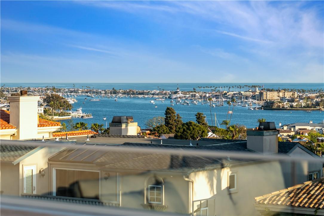 31. 660 Kings Road Newport Beach, CA 92663