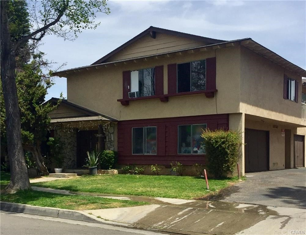 Nice 2 bedroom one bath upstairs unit in a four plex. Located above garage. New paint, carpet and flooring.