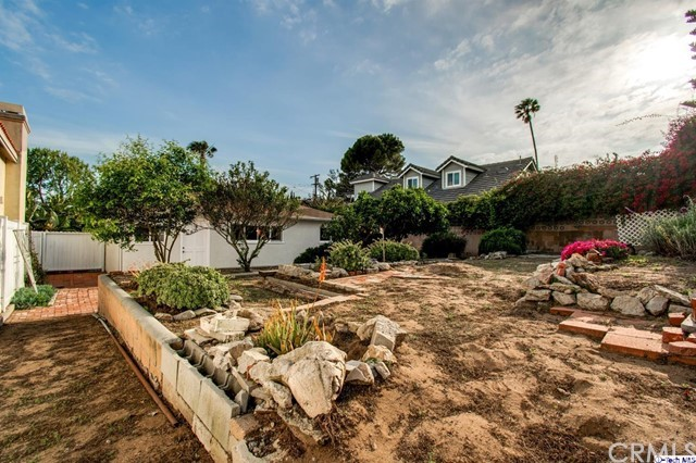 1157 8th Street, Manhattan Beach, California 90266, 3 Bedrooms Bedrooms, ,1 BathroomBathrooms,For Sale,8th,320001365