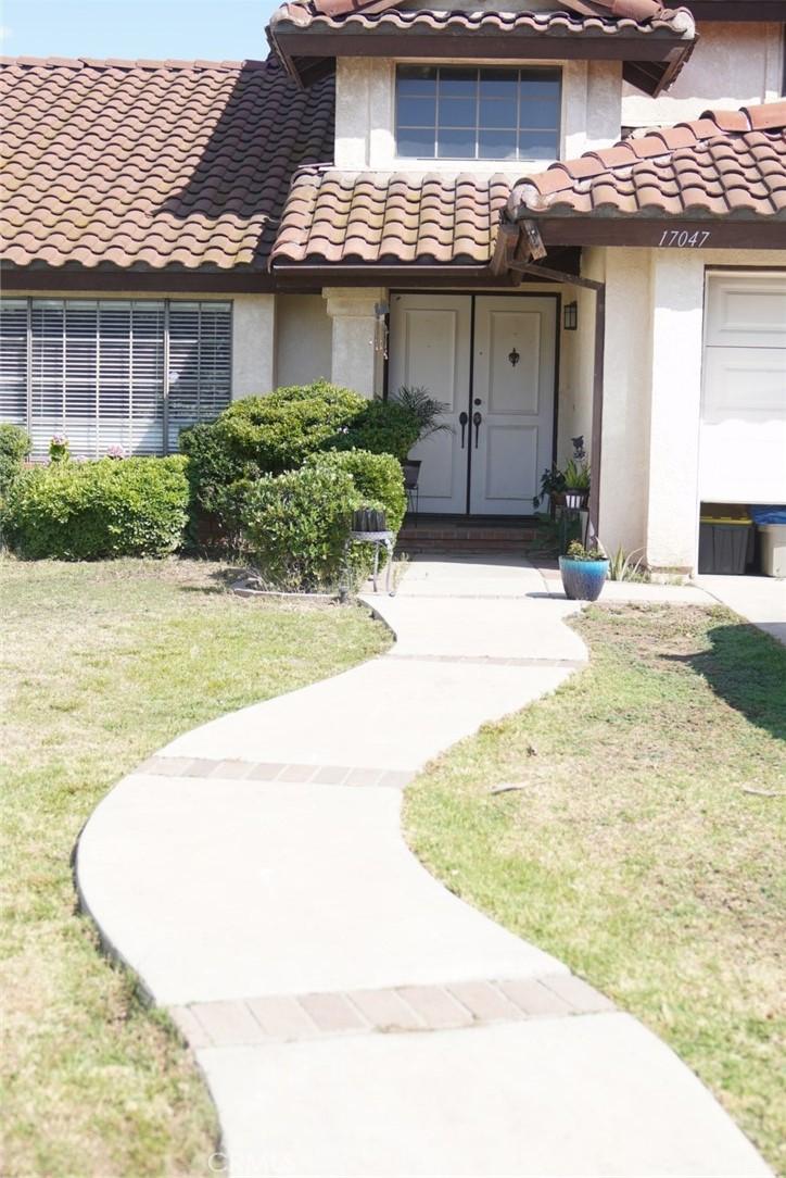 17047     Knollbrook Place, Riverside CA 92503