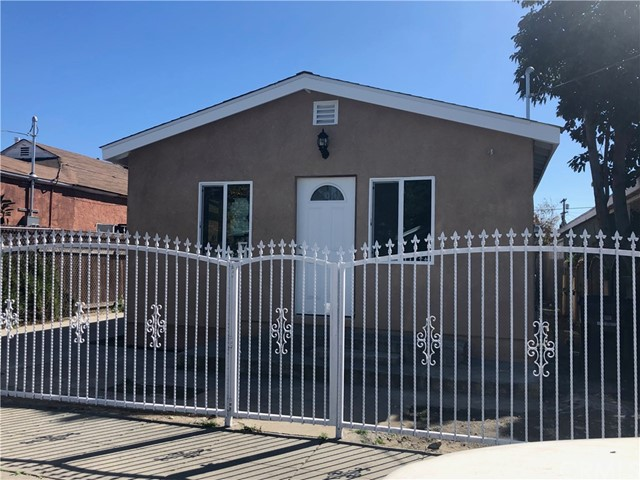 1762 E 111th Place, Los Angeles, CA 90059