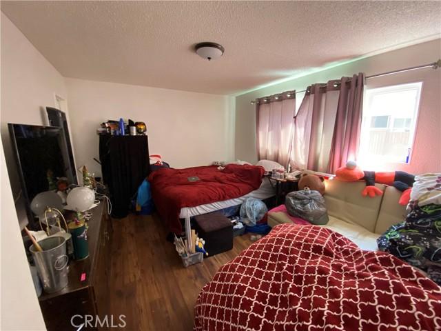 13603 Barlin Avenue, Downey, California 90242, 3 Bedrooms Bedrooms, ,2 BathroomsBathrooms,Residential,For Sale,Barlin,PW21077869