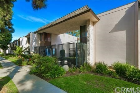 5500 Ackerfield Avenue, Long Beach, CA 90805