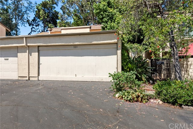 Photo of 323 S Vista Del Canon, Anaheim Hills, CA 92807