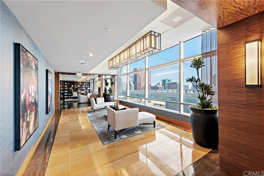 Entry lobby on the 37th floor to get to the 2nd set of elevators up to the acclaimed 39th Floor with views of Downtown