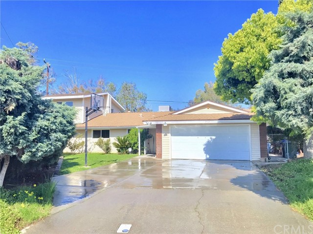 2512 Baldridge Canyon Court, Highland, CA 92346