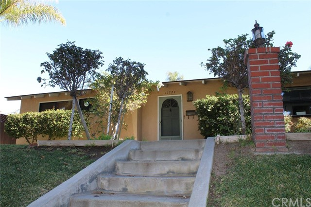11727 Beverly Boulevard, Whittier, CA 90601