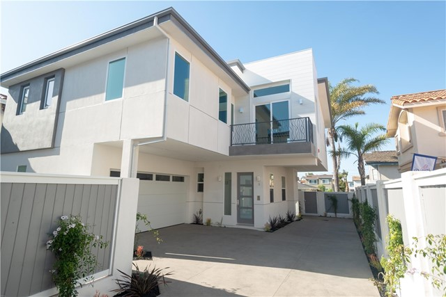 2013 Voorhees Avenue B- Redondo Beach- California 90278, 4 Bedrooms Bedrooms, ,3 BathroomsBathrooms,For Sale,Voorhees,SB18083420