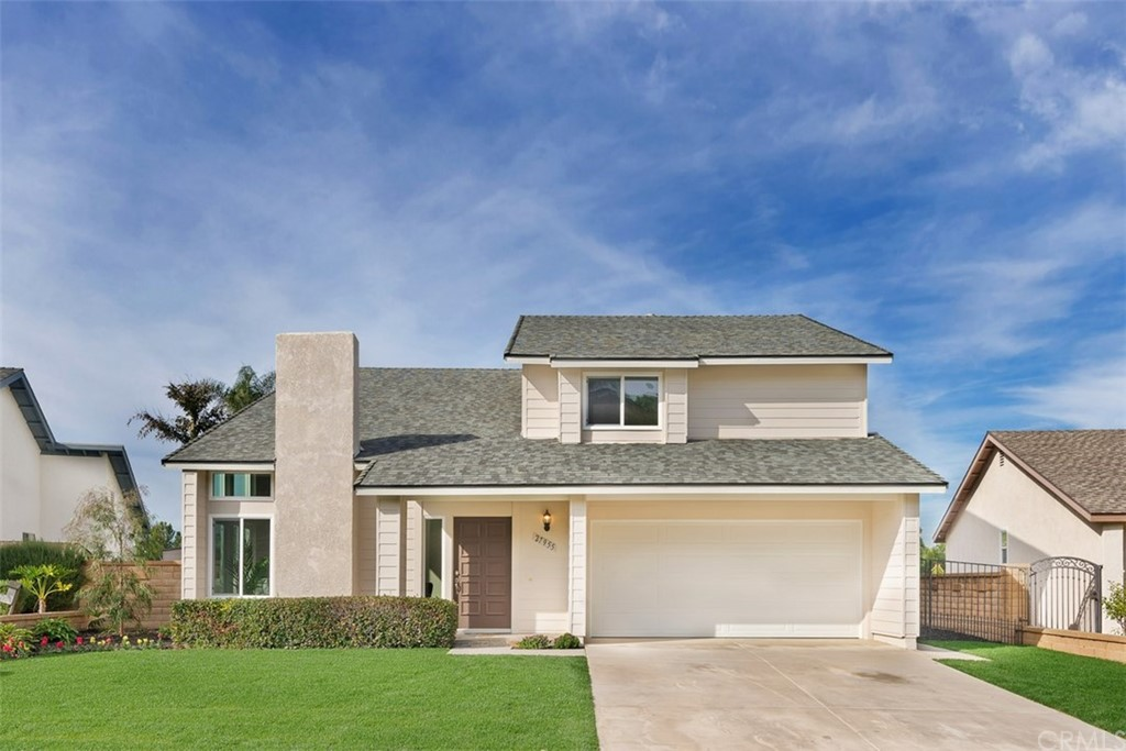 REMODELED 2019! 5 Bdrm, 2.5 Bath home on a single loaded street w/UNOBSTRUCTED PANORAMIC VIEWS!