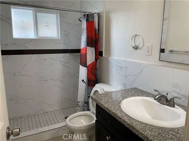 11323 1/2 Unit Bathroom