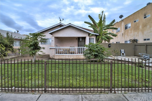1480 Walnut Avenue, Long Beach, CA 90813