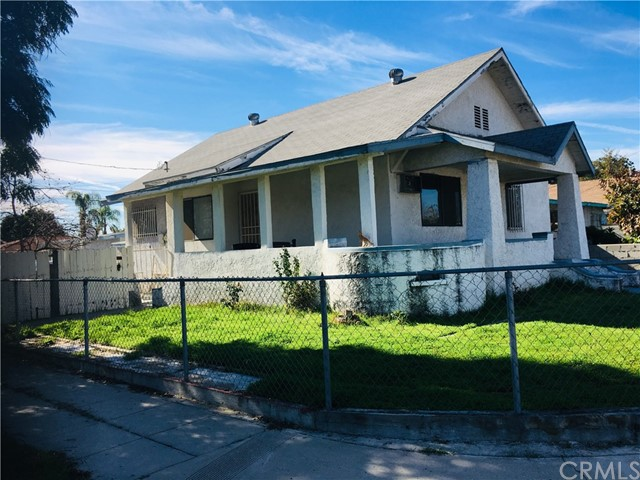 686 E 9th street, Pomona, CA 91766