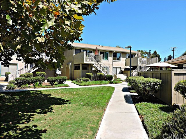 676 Bridgeport Circle 26, Fullerton, CA 92833