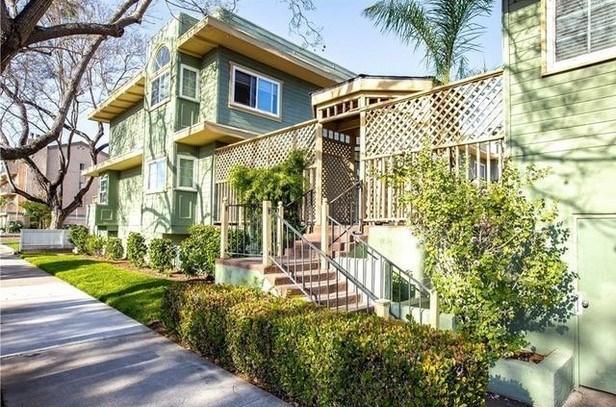 809 N Spurgeon Street 7, Santa Ana, CA 92701
