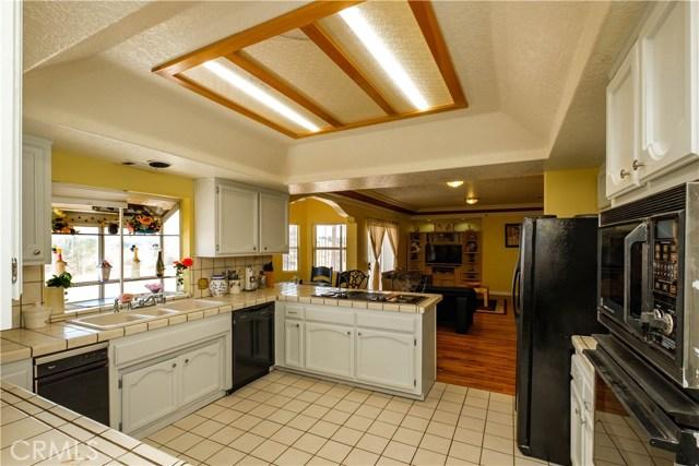 9063 Joshua Rd, Oak Hills, CA 92344 Photo 21
