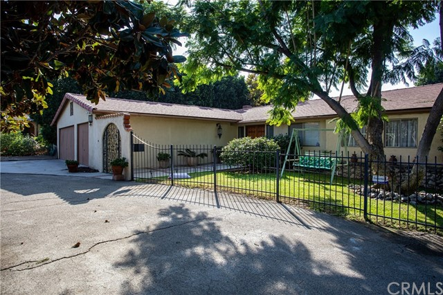 10556 Penrose Street, Sun Valley, CA 91352