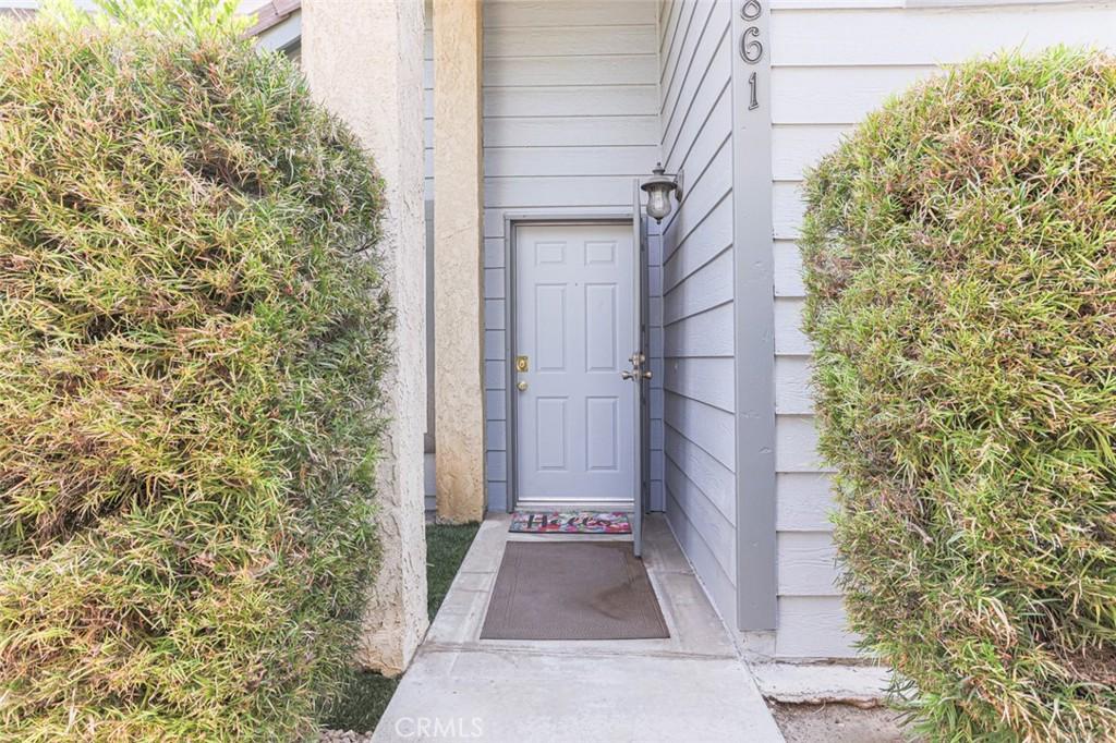 10861     Mountain View Avenue, Loma Linda CA 92354