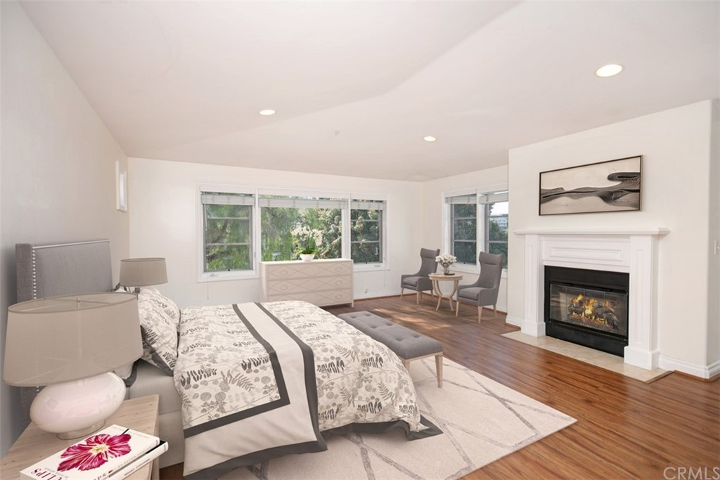 Virtual staging- Open concept Living with lots of windows.