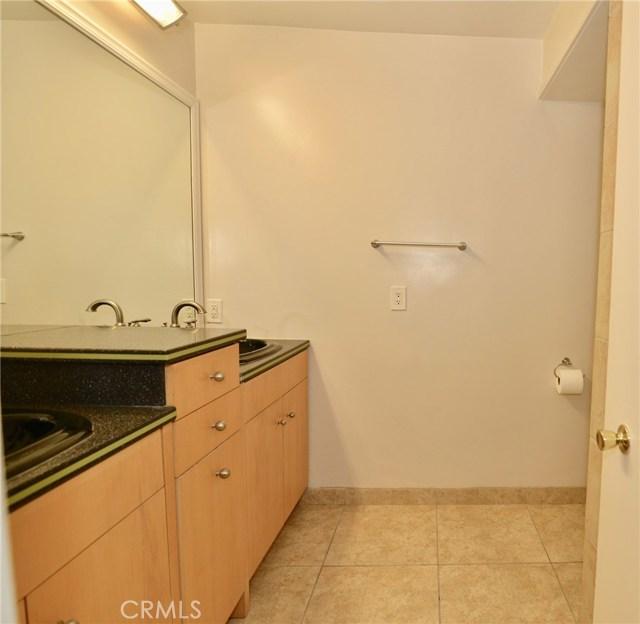 Image 12 of 1621 S Pomona Ave #D22, Fullerton, CA 92832