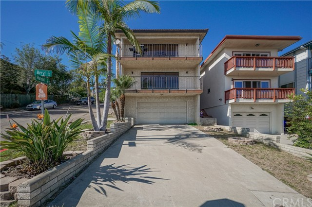 Photo of 4887 Randall Street, Pacific Beach, CA 92109