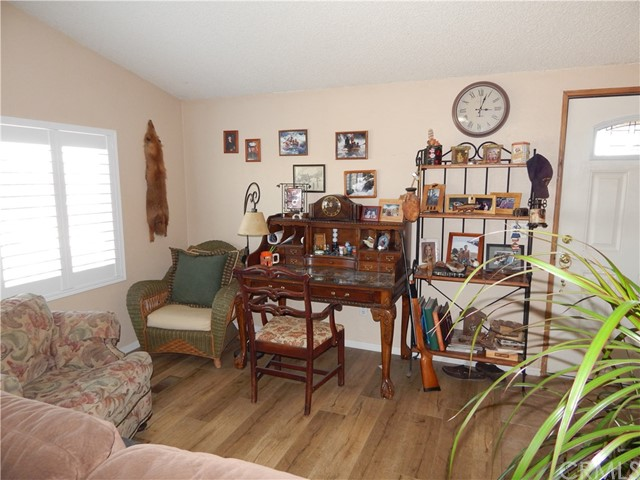11024 Medlow Av, Oak Hills, CA 92344 Photo 16