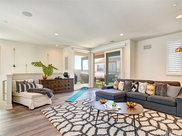 5565 Palm Drive, Hawthorne, CA 90250