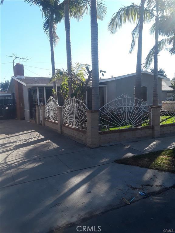 2111 S Ross Street, Santa Ana, CA 92707