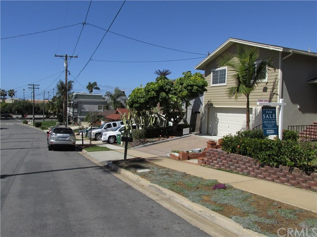 1210 Stratford Ln, Carlsbad, CA 92008 Photo 2