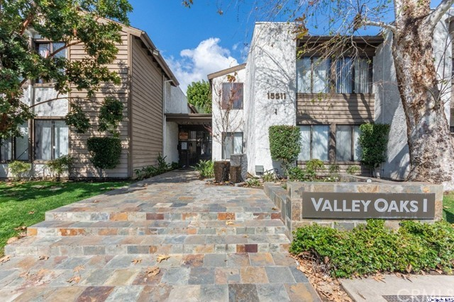 15511 Sherman Way 40, Van Nuys, CA 91406