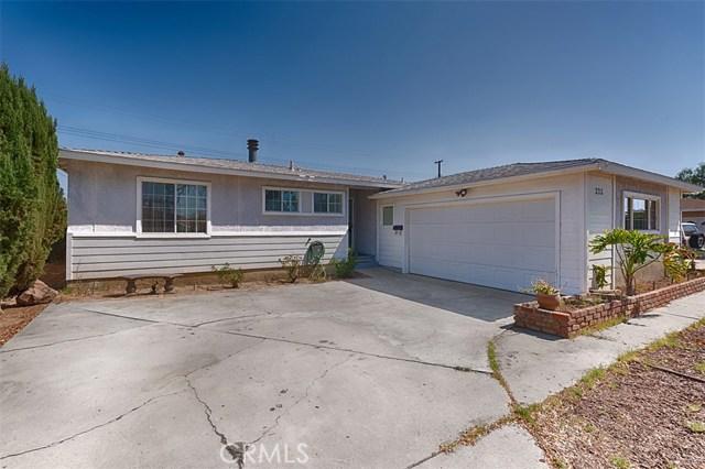 325 E Rosslynn Avenue, Fullerton, CA 92832