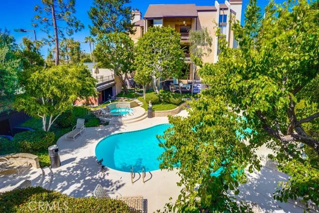 43. 8711 Falmouth Avenue #110 Playa del Rey, CA 90293