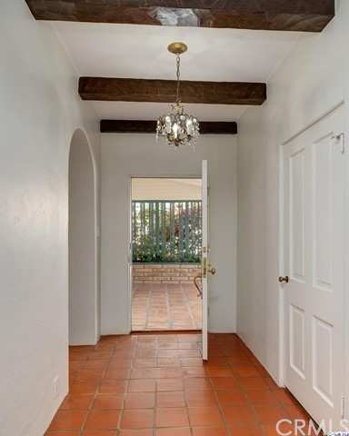 2054 Galbreth Rd, Pasadena, CA 91104 Photo 3