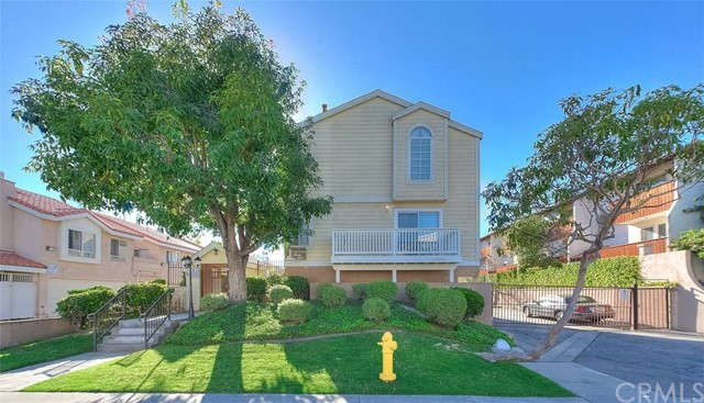 22003 Belshire Avenue 11, Hawaiian Gardens, CA 90716