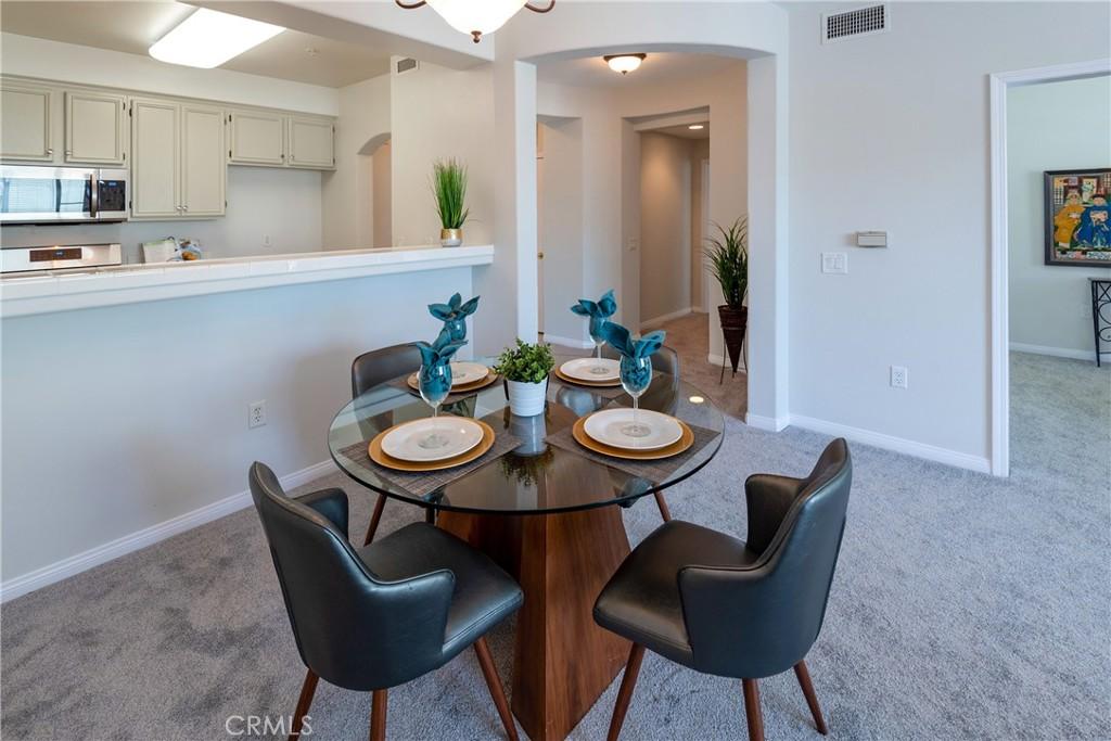 Open Floor Plan with High Ceilings Creates a Voluminous Feeling